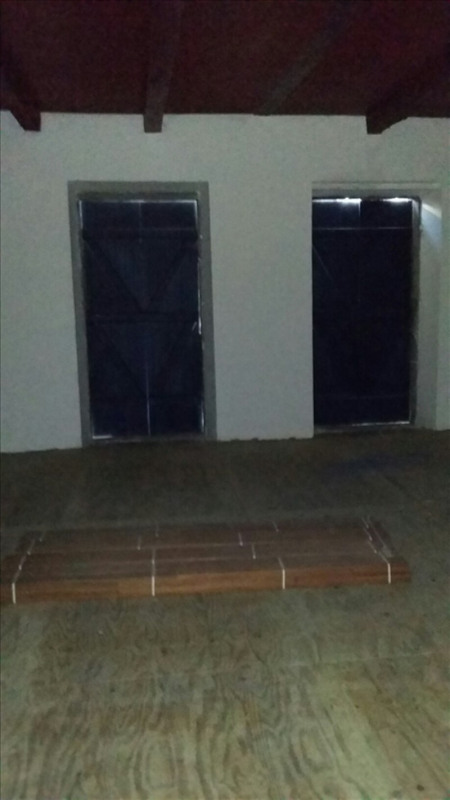 Location local commercial Basse terre 92€ HT/HC - Photo 3