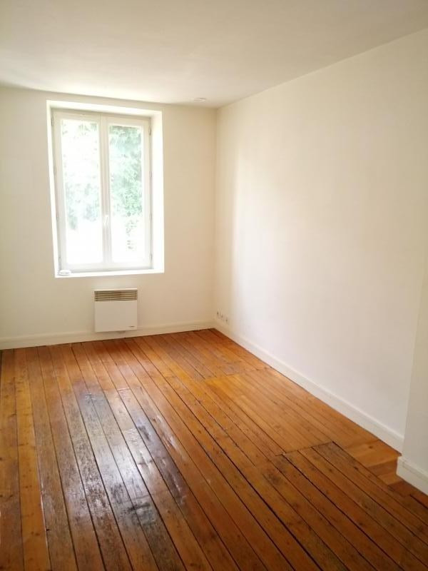 Location appartement Chambourcy 579€ CC - Photo 1
