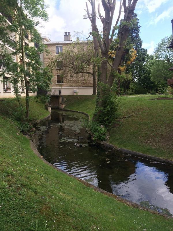 Rental apartment Villennes sur seine 1291€ CC - Picture 1
