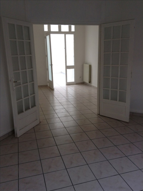 Rental apartment St quentin 443€ CC - Picture 2