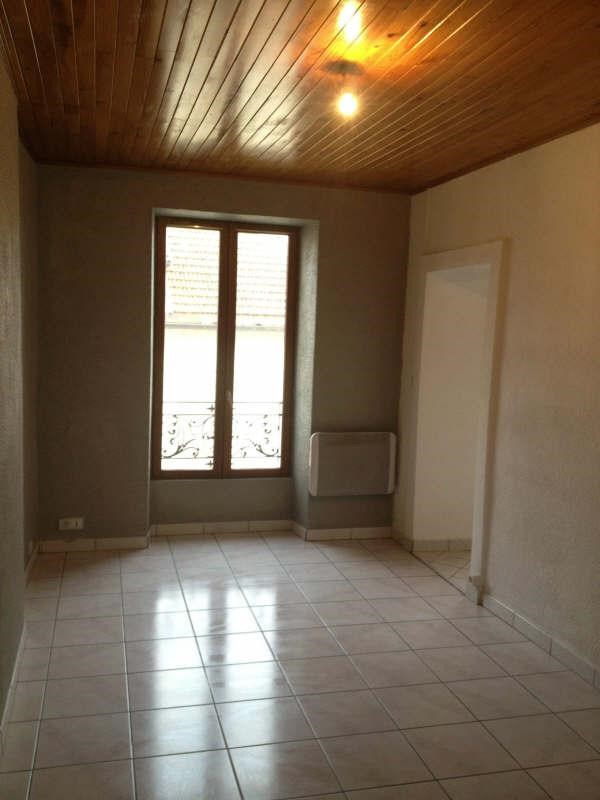 Location appartement Yenne 450€ CC - Photo 3