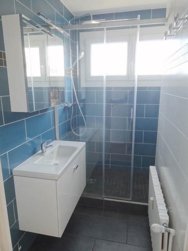 Sale apartment Gaillard 320000€ - Picture 3