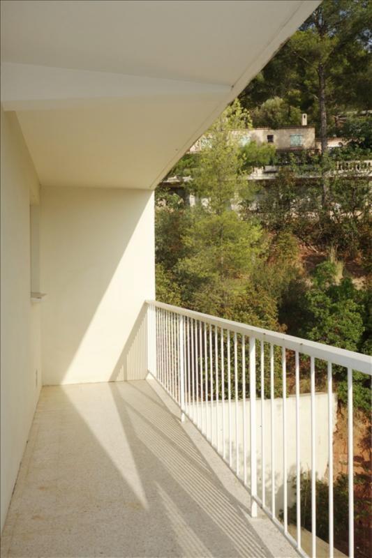 Locação apartamento Toulon 488€ CC - Fotografia 1