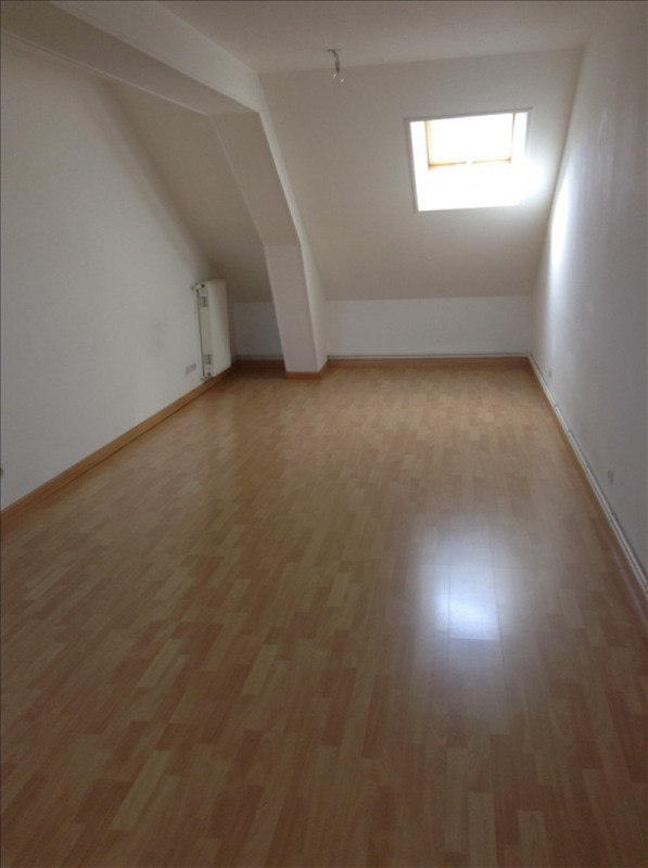 Rental apartment St quentin 560€ CC - Picture 1