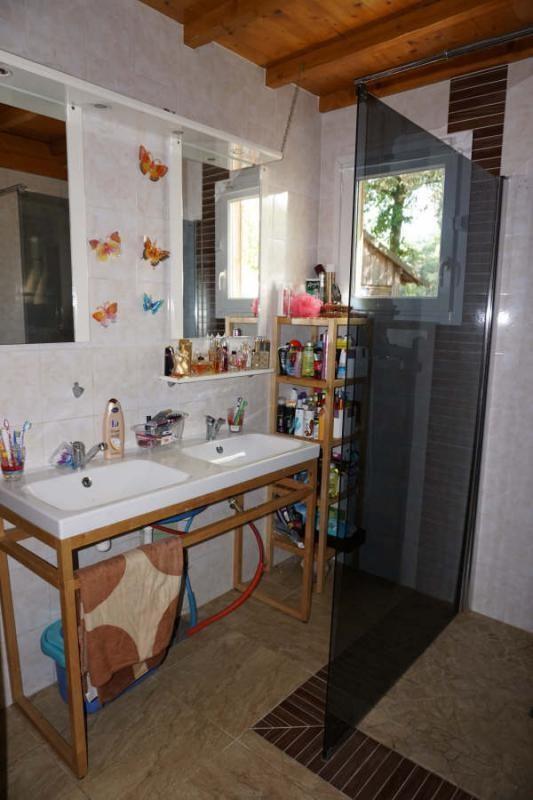 Sale house / villa St yzan de soudiac 232500€ - Picture 5