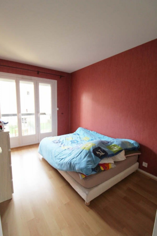 Sale apartment Maurepas 179000€ - Picture 5
