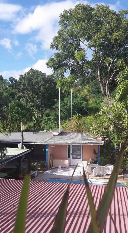 Sale house / villa St claude 274300€ - Picture 2