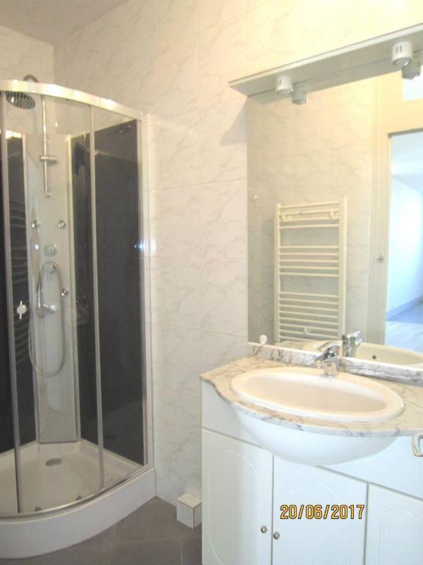 Location maison / villa Cognac 600€ CC - Photo 9