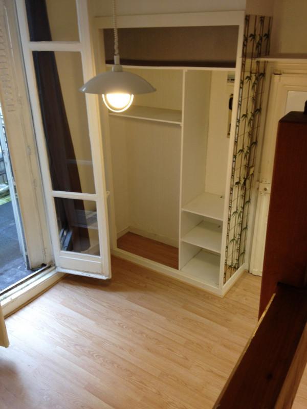 Rental apartment Paris 9ème 820€ CC - Picture 1