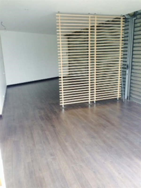 Rental office Coignieres 750€ CC - Picture 2