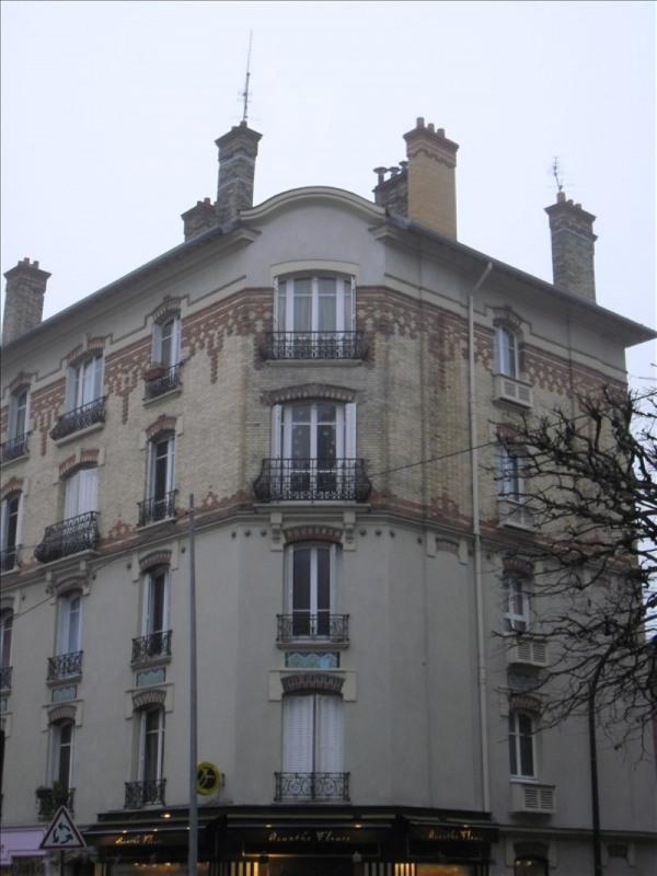 Location appartement Le raincy 765€ CC - Photo 1