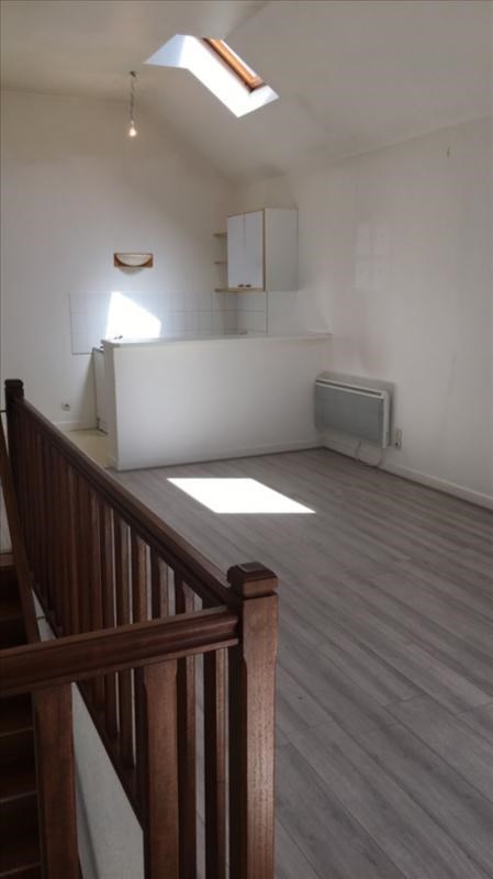 Rental apartment St quentin 450€ +CH - Picture 2