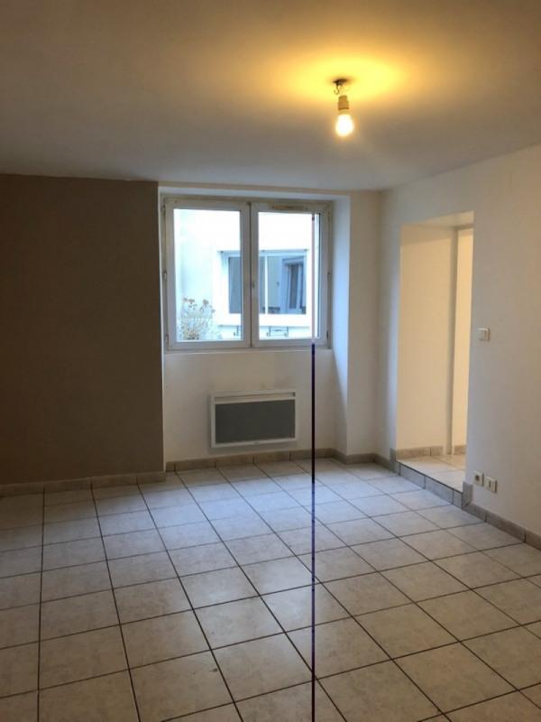 Rental house / villa Bassac 412€ CC - Picture 3