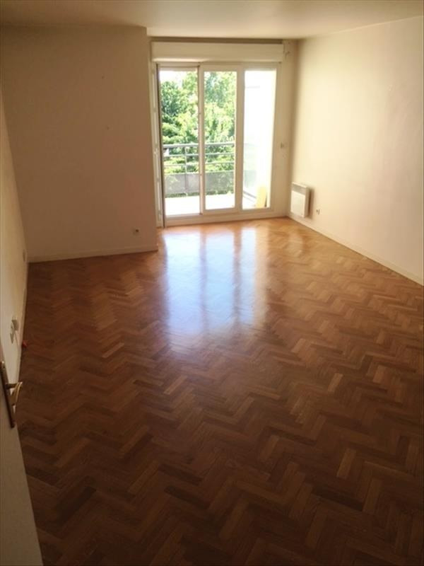 Rental apartment Carrieres sur seine 1 105€ CC - Picture 2