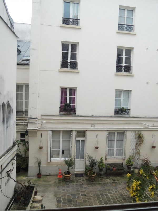 Location appartement Paris 8ème 850€ CC - Photo 9