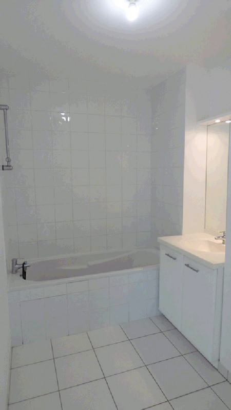 Rental apartment Ville la grand 1 122€ CC - Picture 5