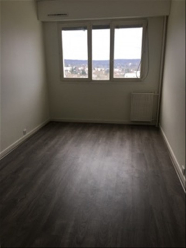 Rental apartment Marly le roi 1 250€ CC - Picture 4