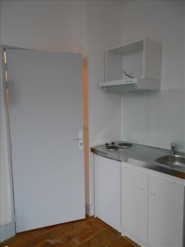 Rental apartment St quentin 400€ CC - Picture 2