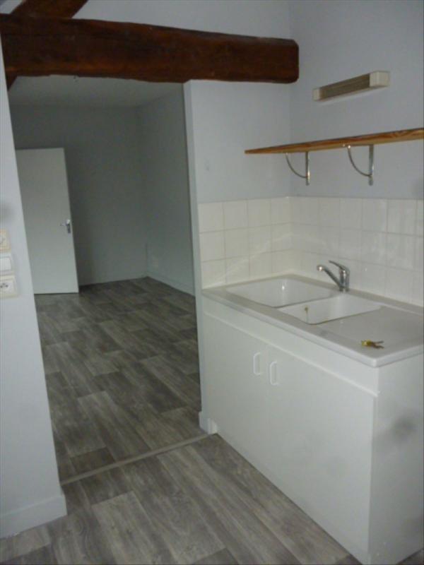Location appartement Montoire sur le loir 360€ CC - Photo 3