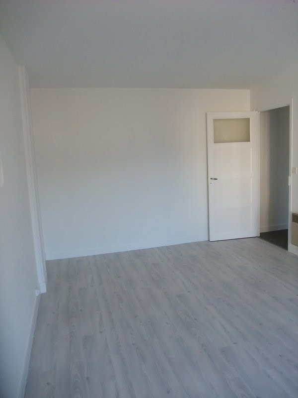 Location appartement Periers 360€ CC - Photo 3