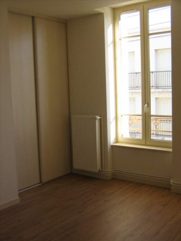 Location appartement Roanne 572€ CC - Photo 5