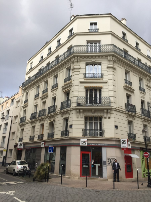Rental apartment Courbevoie 1090€ CC - Picture 1