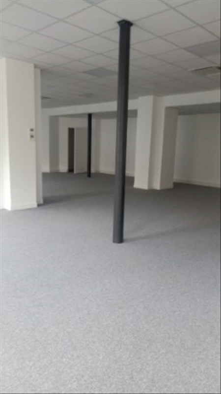 Location local commercial Paris 18ème 3 750€ HT/HC - Photo 1