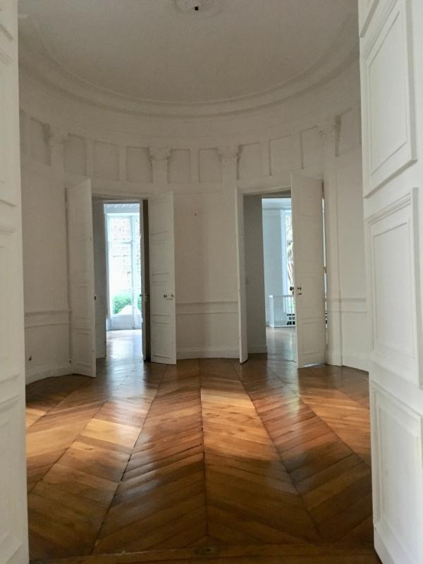 Rental apartment Paris 7ème 5880€ CC - Picture 5