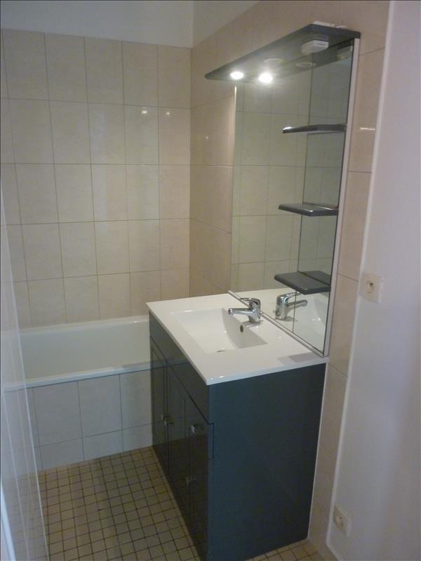 Location appartement Poissy 785€ CC - Photo 2