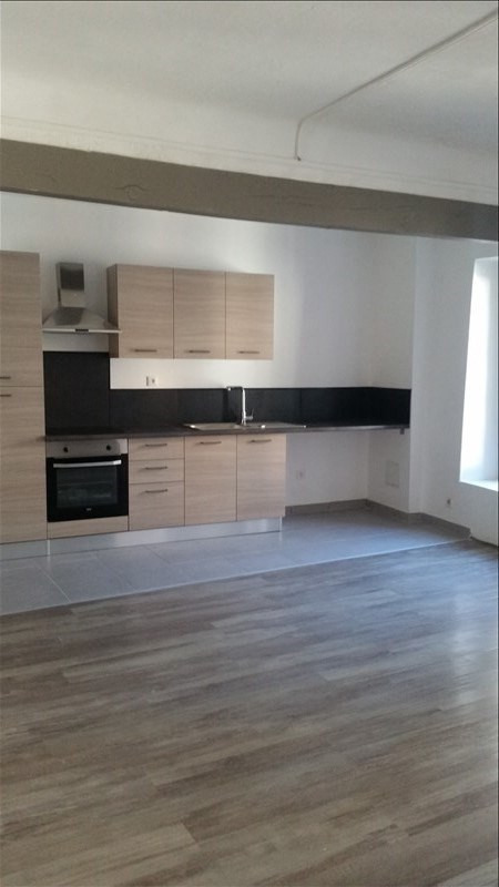 Rental apartment Bouc bel air 800€ CC - Picture 2