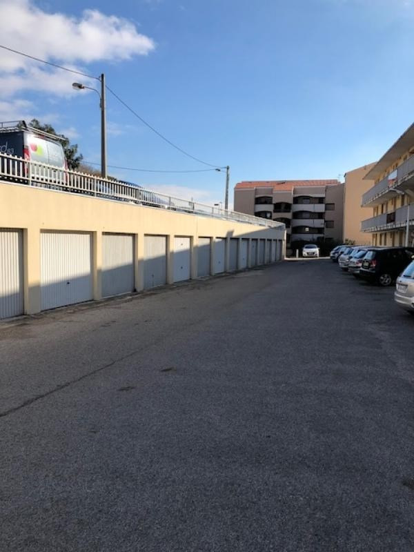 Rental parking spaces Six fours les plages 85€ CC - Picture 1