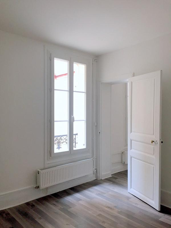 Location appartement Paris 15ème 880€ CC - Photo 3