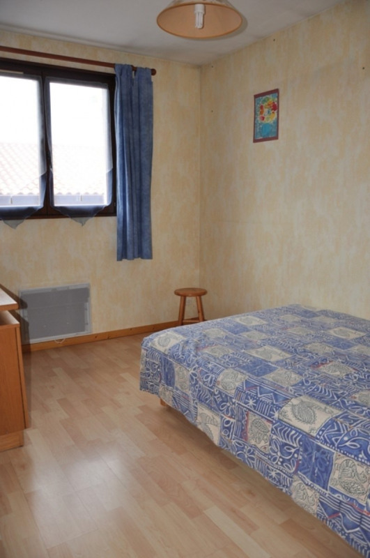 Sale house / villa Pommiers 235000€ - Picture 8