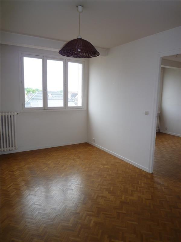 Rental apartment Le raincy 780€ CC - Picture 2