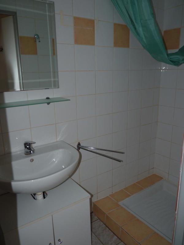 Rental apartment La roche sur yon 302€ CC - Picture 3