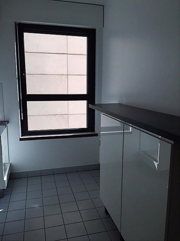 Location appartement Paris 15ème 2 259€ CC - Photo 3