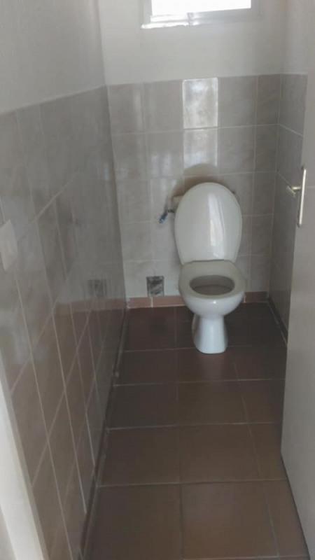 Rental apartment Vieux habitants 650€ CC - Picture 11