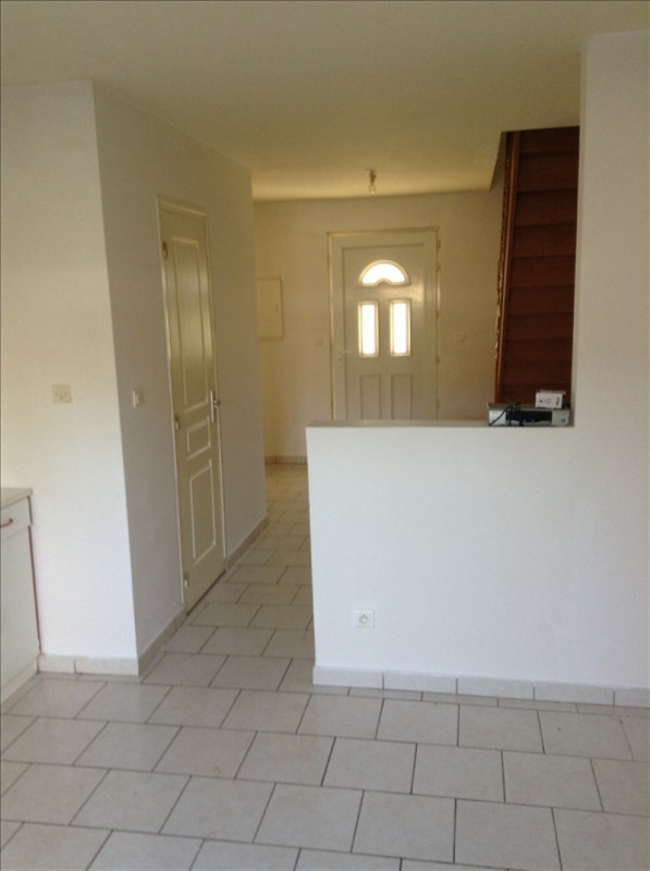 Location maison / villa Vaux en vermandois 640€ CC - Photo 4