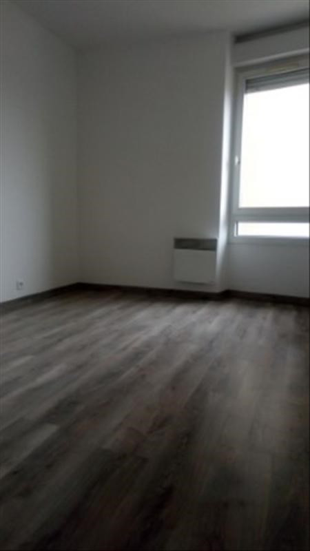 Location appartement Paris 18ème 1 921€ CC - Photo 6