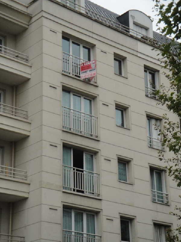 Rental apartment Colombes 1 087€ CC - Picture 1