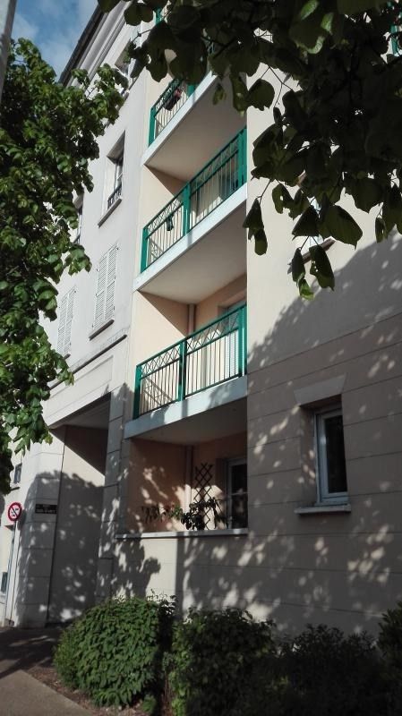 Sale apartment Poissy 348 400€ - Picture 1