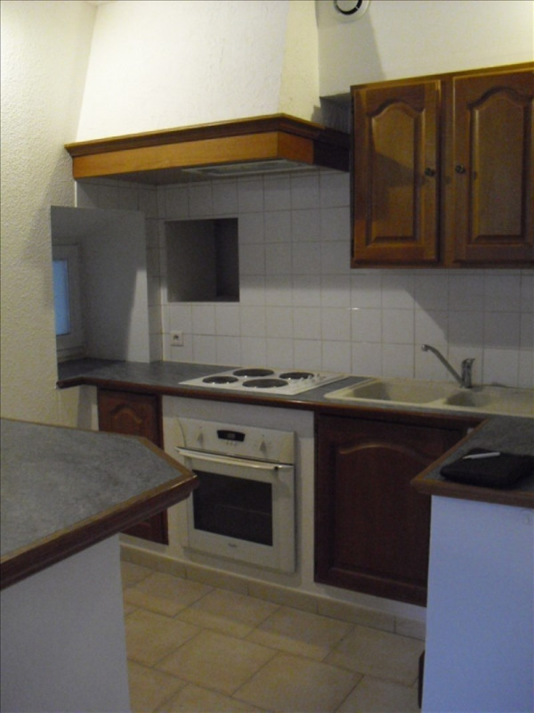 Rental apartment Eyguieres 509€ CC - Picture 2