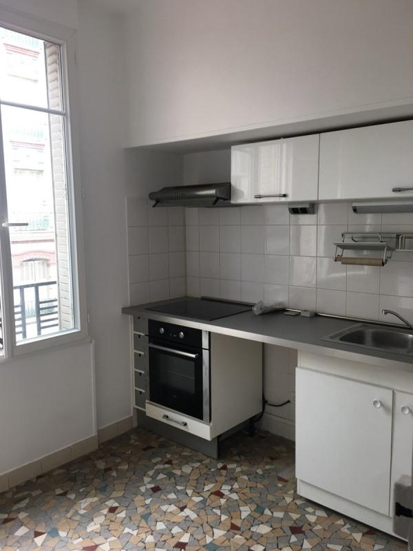 Location appartement Asnieres sur seine 930€ CC - Photo 2