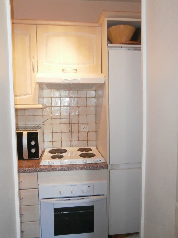Location appartement Fontainebleau 1 000€ CC - Photo 6