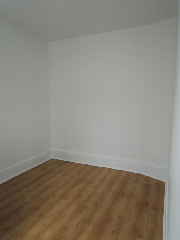 Rental apartment Paris 17ème 990€ CC - Picture 2