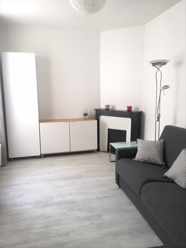 Rental apartment Paris 5ème 1 150€ CC - Picture 1