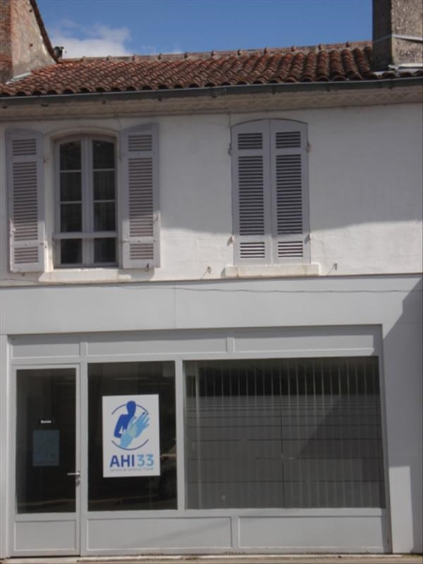 Investment property building Lesparre medoc 273000€ - Picture 1