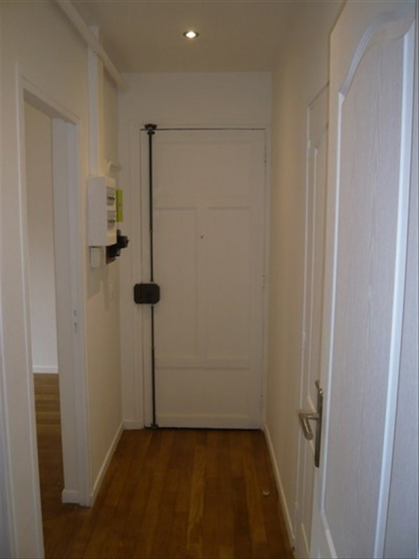 Location appartement Colombes 850€ CC - Photo 9