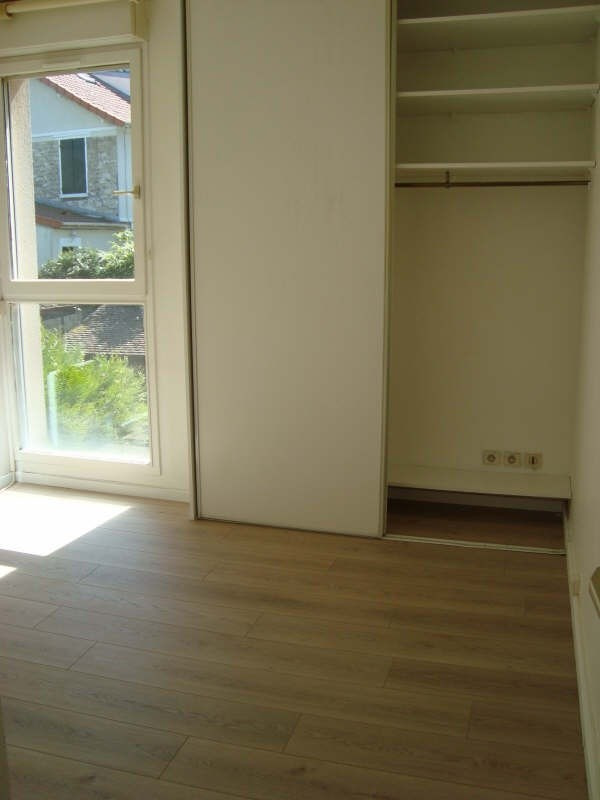 Location maison / villa Marly le roi 950€ CC - Photo 8