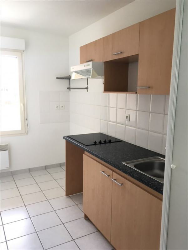 Rental apartment Vendome 587€ CC - Picture 2